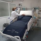 Una cama-UCI del hospital general de Alicante