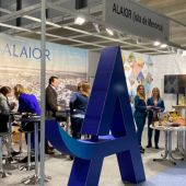 Imagen correspondiente al primer stand de Alaior en FITUR.