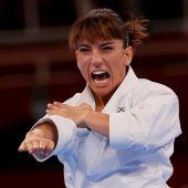 Sandra Sánchez de España compite durante la ronda eliminatoria de kata femenino en karate por los Juegos Olímpicos de Tokio 2020