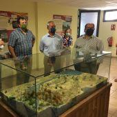 Representantes institucionales en la inauguración del centro de interpretación de Peralejos