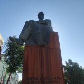 Estatua Esteban López Vega, Avenida del Vino de Valdepeñas
