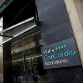 Fachada del hotel de Barcelona en el que ha aparecido el cadáver de un niño de dos años