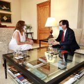 Salvador Illa elogia la gestión de la pandemia en Baleares y traslada su solidaridad a Maria Antònia Font