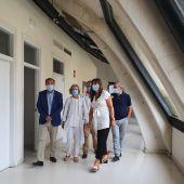 Sira Repollés  en su visita al centro de salud de Santa Isabel