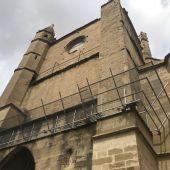 Trabajos de mantenimiento en la fachada posterior de la Catedral de Huesca