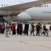 Llegada de refugiados afganos a la base militar de Torrejón de Ardoz