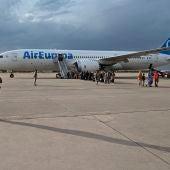 Llegada este lunes a la base aérea de Torrejón de Ardoz de un avión con 260 personas procedentes de Afganistán.