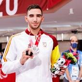 Sergio Ibáñez con su medalla de plata en los Juegos Paralímpicos de Tokio