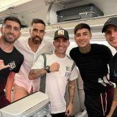 Enzo Roco viaja a Chile en el mismo avión que Gary Medel para jugar con su selección.