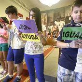 El ayuntamiento realizará en los centros escolares una campaña sobre Igualdad y distribuirá 15.000 calendarios violetas