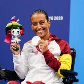 Teresa Perales con su medalla de plata en Tokio 2020