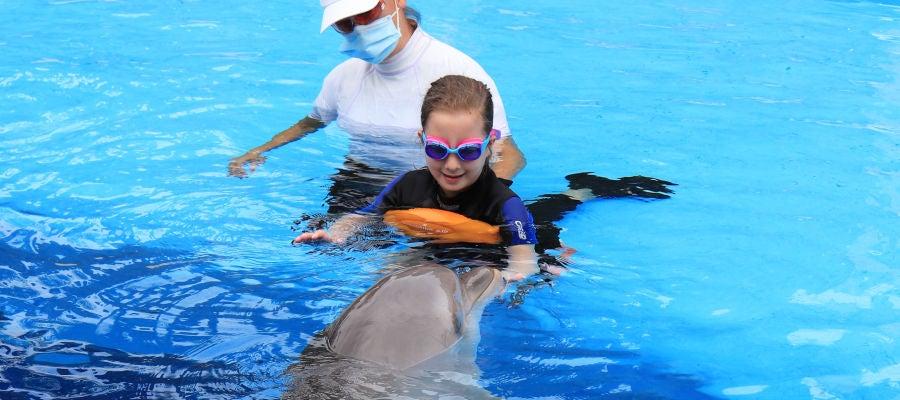 Delfinoterapia en Mundomar