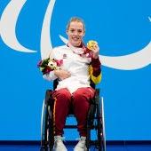 Marta Fernández con la medalla de oro