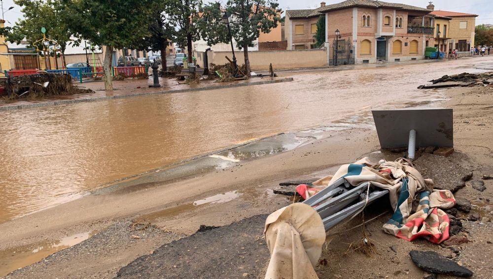 Imágenes de las calles de Guadamur inundadas por el paso de la DANA