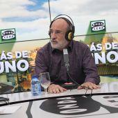 Fernando Aramburu con Carlos Alsina en 'Más de uno'
