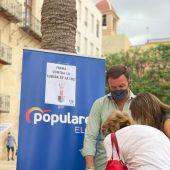 Recogida de firmas del PP en Elche.
