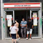 El paro en agosto en España registra su mayor caída histórica
