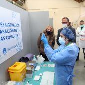 La Policía Nacional investiga el robo de ordenadores y aparatos de aire acondicionado en el centro de vacunas de San Pedro Alcántara