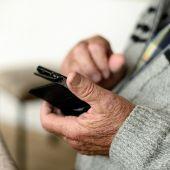 Un anciano envía por error 60.000 euros en una transferencia y no le quieren devolver su dinero