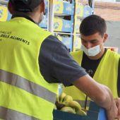 Pedri debuta como voluntario del Banco de Alimentos