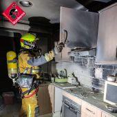 Dos mujeres intoxicadas al tratar de sofocar un incendio en su vivienda de Polop