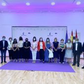 Foto de familia Premios Luisa Alberca Lorente 2021