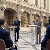 Sánchez y Lambán han intervenido en el patio de Presidencia del Pignatelli