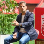Robert Moreno se prepara para el encuentro contra el FC Barcelona con toda su plantilla disponible