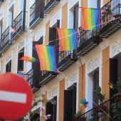 """Manifestación homófoba en Chueca: un grupo de neonazis marcha al grito de """"fuera maricas de nuestros barrios"""""""