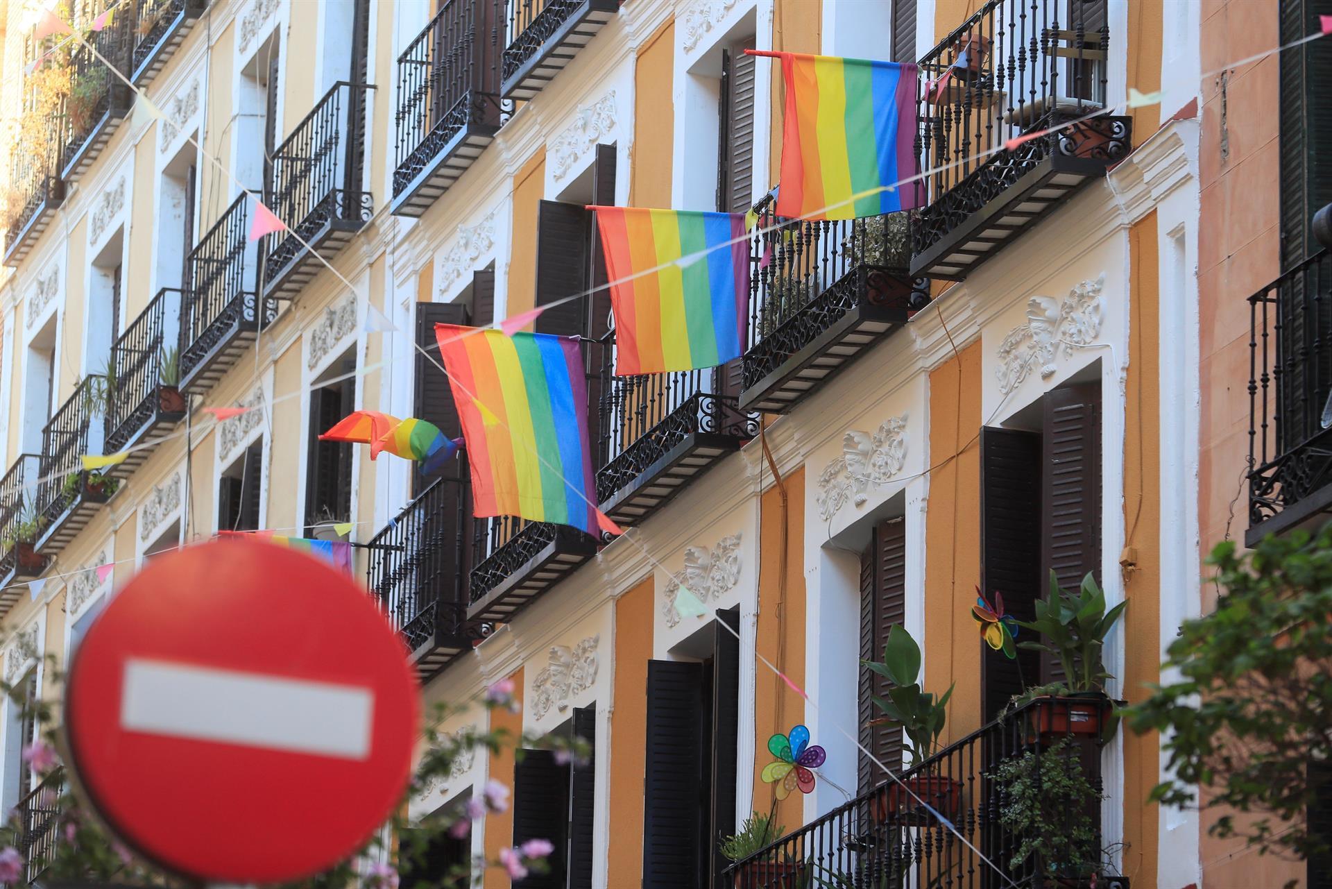 Tertulia: ¿Tiene alguna responsabilidad la delegada del Gobierno al permitir la manifestación homófoba en Chueca?