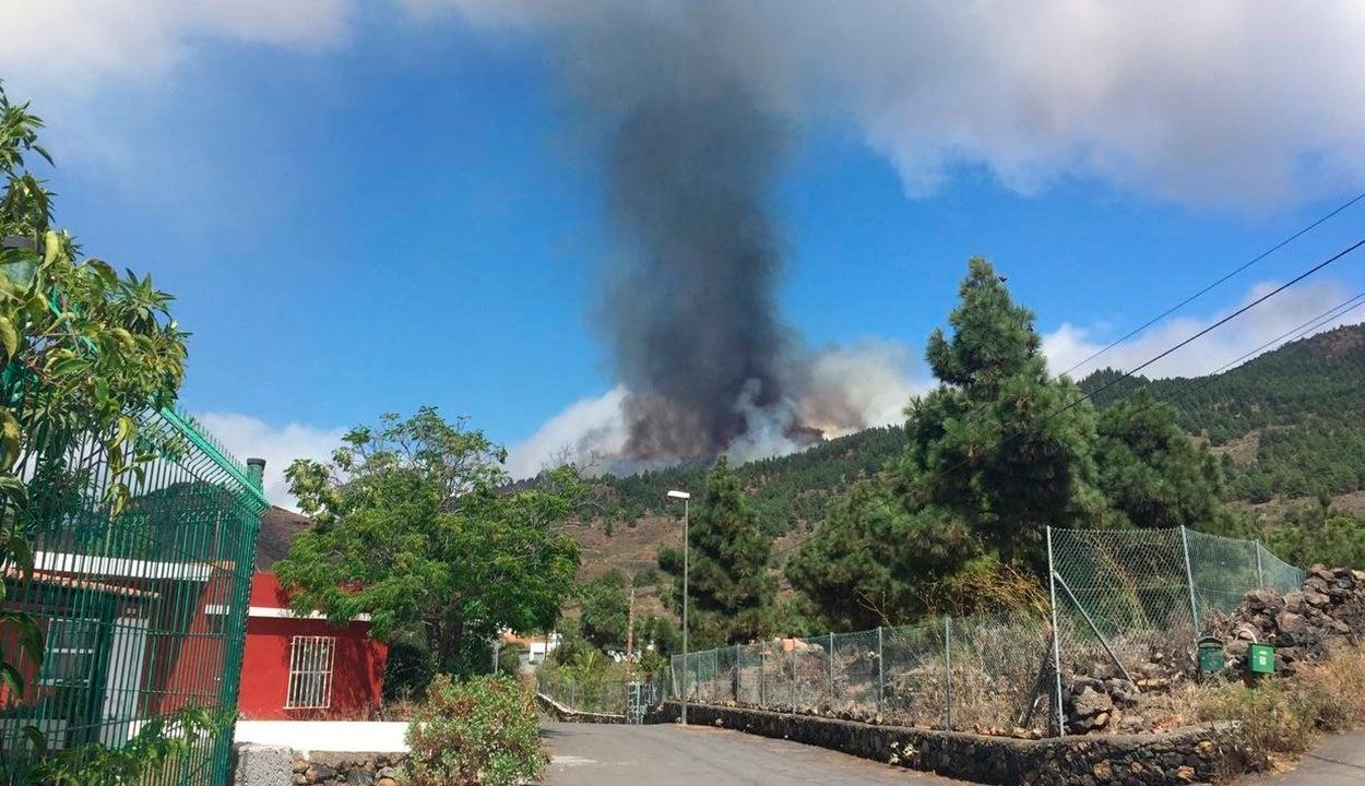 """Roberto Camacho: """"Muchos vecinos ayer perdieron su vivienda y, por tanto, parte de su vida"""""""