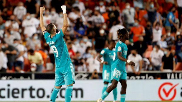 Benzema celebra su gol ante el Valencia