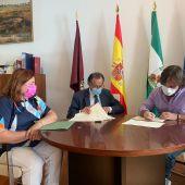 Reunión en el Ayuntamiento de Chiclana con la APDHA