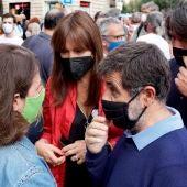 Laura Borràs y numerosos cargos de Junts protestan en el consulado de Italia en Barcelona por la detención de Puigdemont