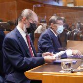 Lambán en la sesión de control al Gobierno en las Cortes