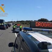 Interceptan a un conductor que se fugó de un control de drogas en Cáceres circulando en sentido contrario