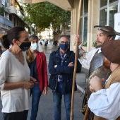Masías charla con Don Quijote y Sancho Panza
