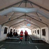 Puesto de atención de Cruz Roja en el puerto de Alicante