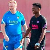 """Koeman: """"No soy seleccionador, pero Ansu Fati solo jugó 15 minutos"""""""