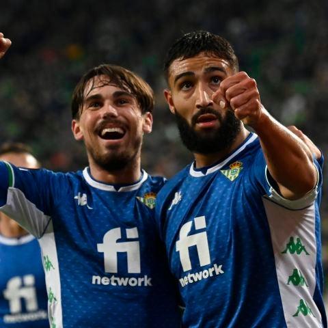Rodri y Fekir celebran un gol del Betis.