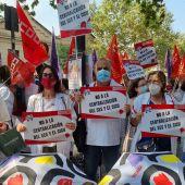 Una imagen de la concentración ante la consellería de Sanidad en Valencia