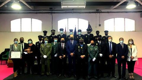 Condecorados y autoridades en la celebración de los Ángeles Custodios