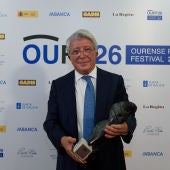Enrique Cerezo recibe o Premio OUFF Historia do Cine Español