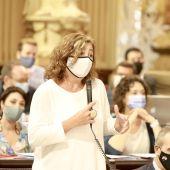 La presidenta del Govern, Francina Armengol, interviene en el Parlament balear