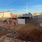 """El PSOE de Badajoz critica el """"parón"""" en las obras del campo de fútbol 11 junto al Seminario"""