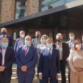 Los presidentes de las diez comarcas turolenses han firmado los convenios con los responsables del gobierno central y autonómico
