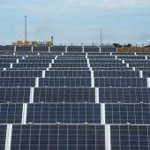 Imagen de un parque fotovoltaico en Menorca.