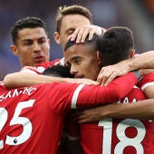 Cristiano Ronaldo celebra un gol con sus compañeros del Manchester United