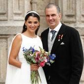 Javier Ortega Smith se casa con la mexicana Paulina Sánchez del Río arropado por los dirigentes de Vox