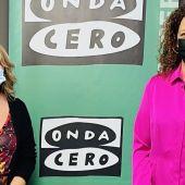 La presdienta del consell de Mallorca y candidata a la secretaría general del PSIB de Mallorca, Catalina Cladera, junto a la periodista, Elka Dimitrova.